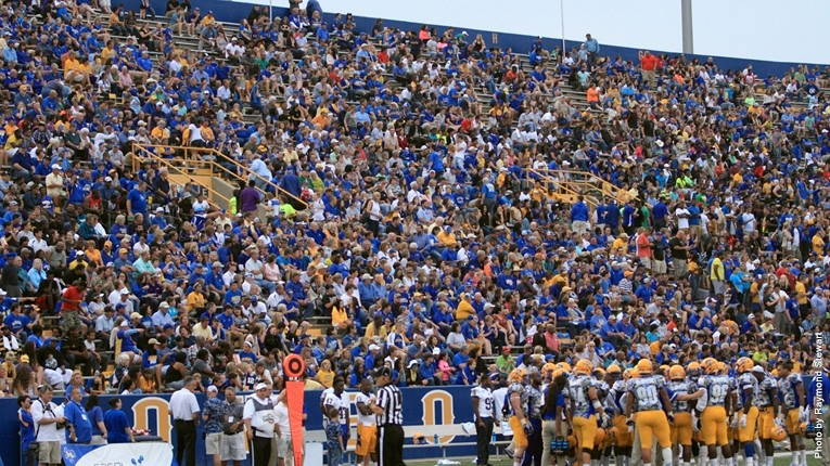 Crowd vs. PV