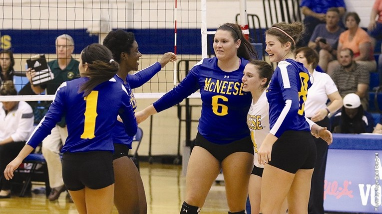 Vb Huddle vs. SE La.