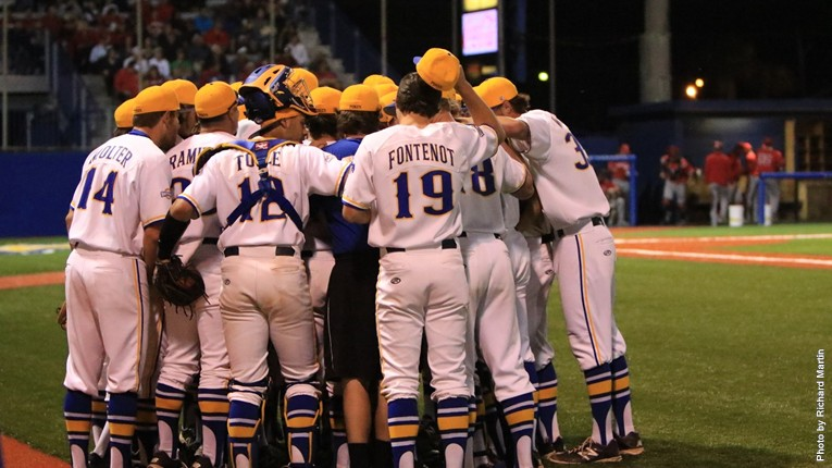 Baseball_Huddle