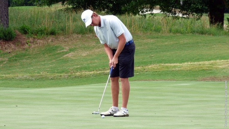 Andreas Krokette putt at NCAA